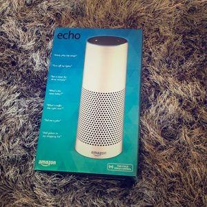 ECHO amazon Alexa never used brand new in box